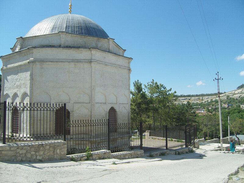 мавзолей (дюрбе) Диляры-Бикеч