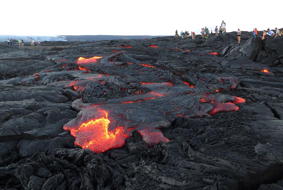Идея 4: искусственные каналы. Спустя 10 лет Этна вновь начала извержение, на этот раз угрожая г