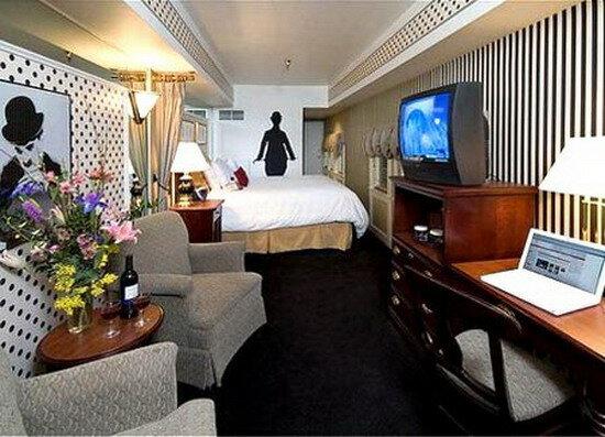 Отель Crowne Plaza. США