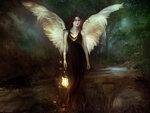 девушка с крыльями и фонарём в руке.jpg