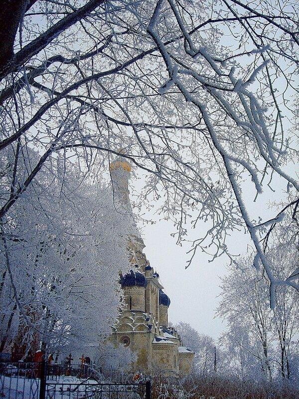 Зима,с.Остров,подворье,узоры