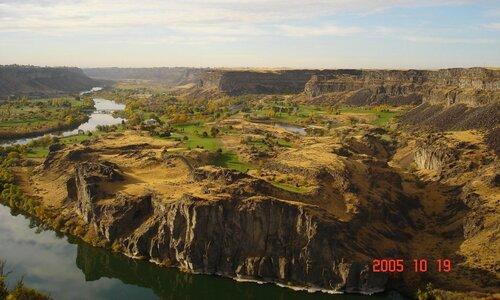 Гольфовые поля у реки Снейк.