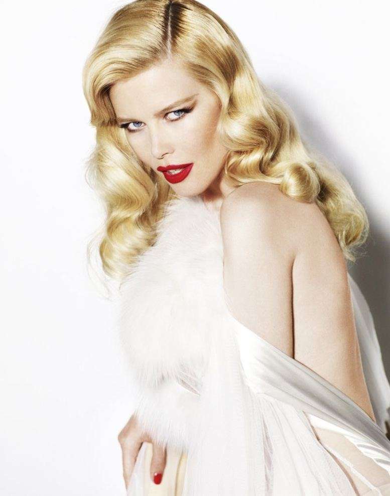 Клаудиа Шиффер / Claudia Schiffer - Star Girls by Mario Testino in Vogue UK december 2010