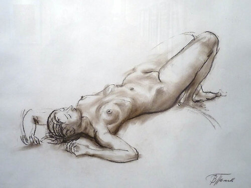 Художник рисует голую натуру фото 13-837