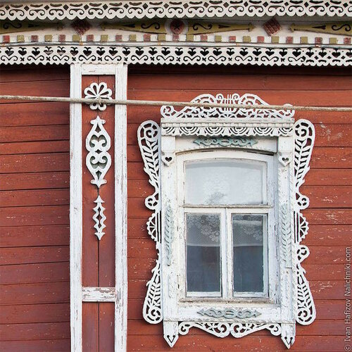 Резные наличники на окнах - народный декор домов