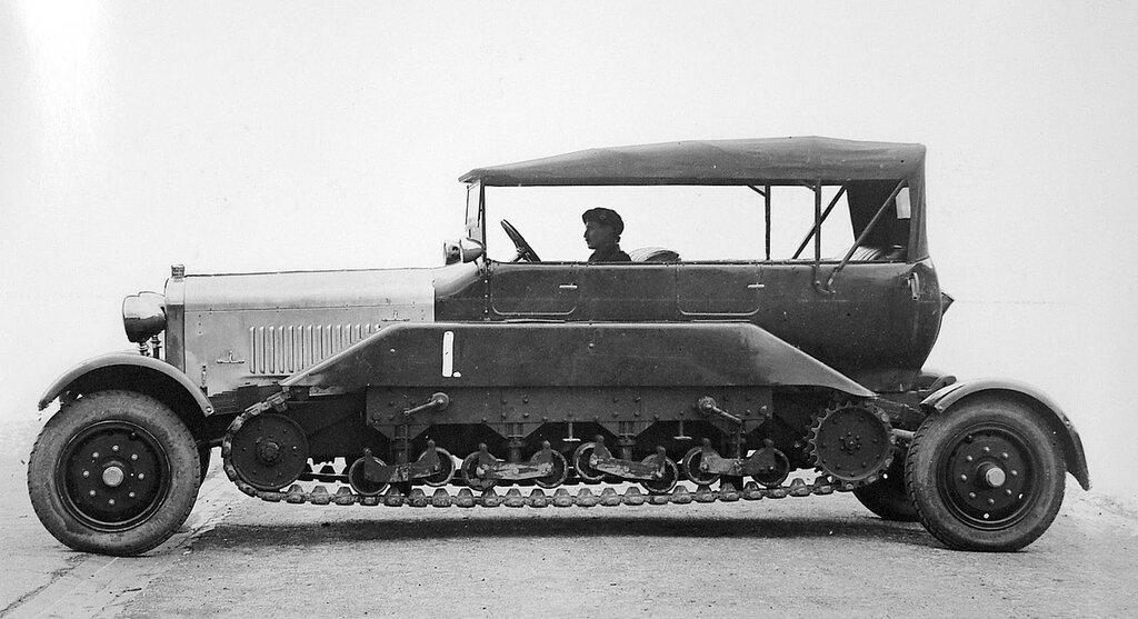 Vickers Reconnaissance Car - wheel-cum-track, 1926