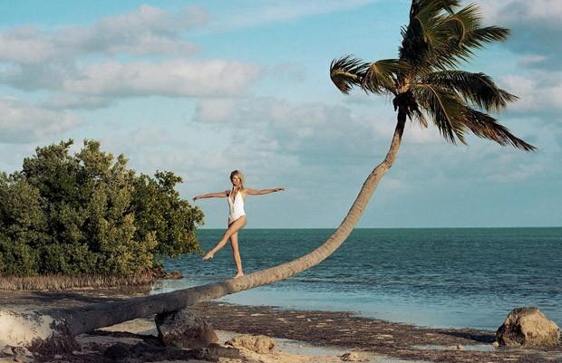 Karolina-Kurkova-Karolina-Kurkova-v-zhurnale-Elle-Italia-11-foto