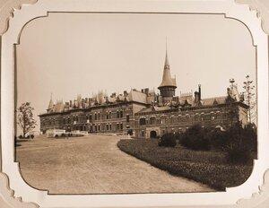 Общий вид Беловежского дворца (построен в августе 1894 г. по проекту графа Николая де Рошфорта).