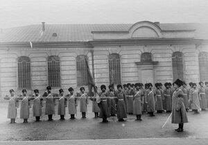 1-ая Уральская его величества казачья сотня у казармы на Инженерной улице,13.
