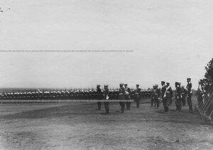 Император Николай II принимает парад полка в день храмового и полкового праздника.
