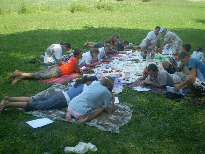 Видео молодежи на пикнике