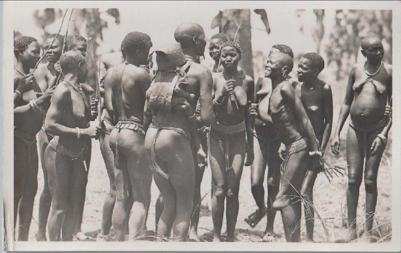 1930. Девушки из Кении
