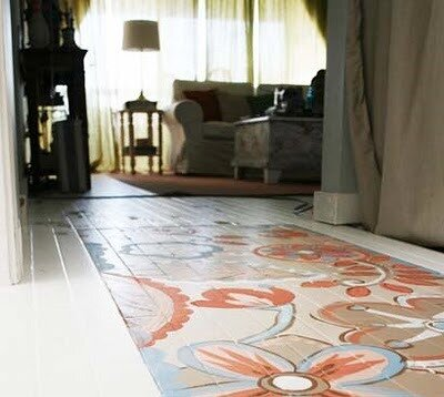 painting the floor. creative home decor.