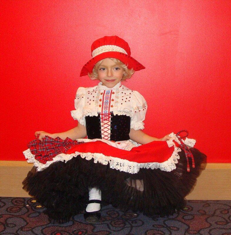 Красная шапочка для костюма своими руками 394