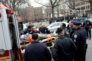 В Нью-Йорке у Бруклинского музея расстреляли подростков