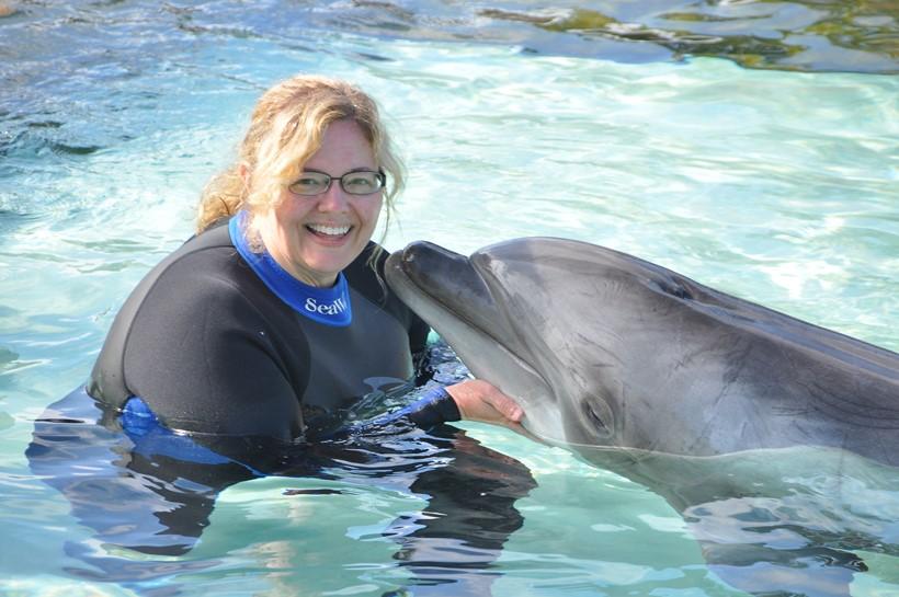 Беременная женщина и дельфин акушер 0 12e234 ee67eb0a orig