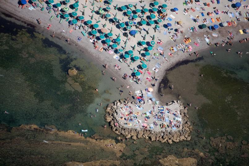 22. Забиваем территорию, Ливорно, Италия, 2007 г. (Alex MacLean / Beetles+Huxley)