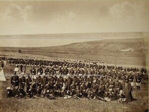 Офицеры Семёновского полка на биваке.