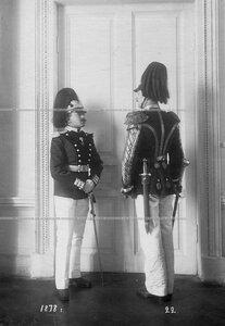 Обер и тамбур-мажор батальона в форме образца 1873 года.