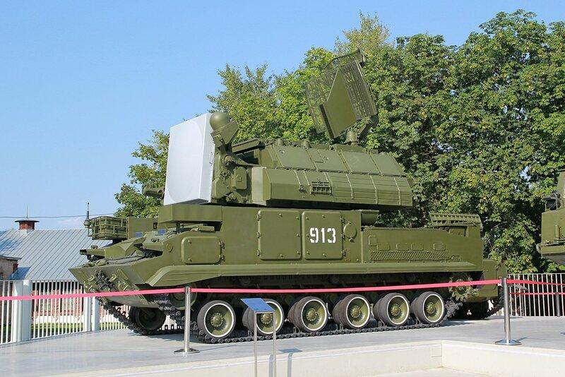 Боевая машина 9А330 зенитной ракетной системы «Тор» - Военная техника на ВДНХ