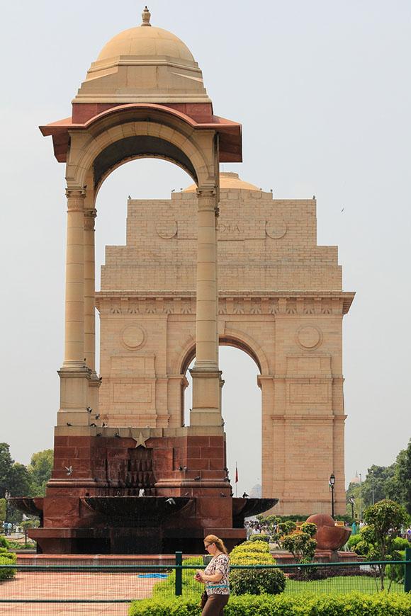 """Фото 7. Что посмотреть в Дели. Мемориал """"Ворота Индии"""" (India Gate) ."""