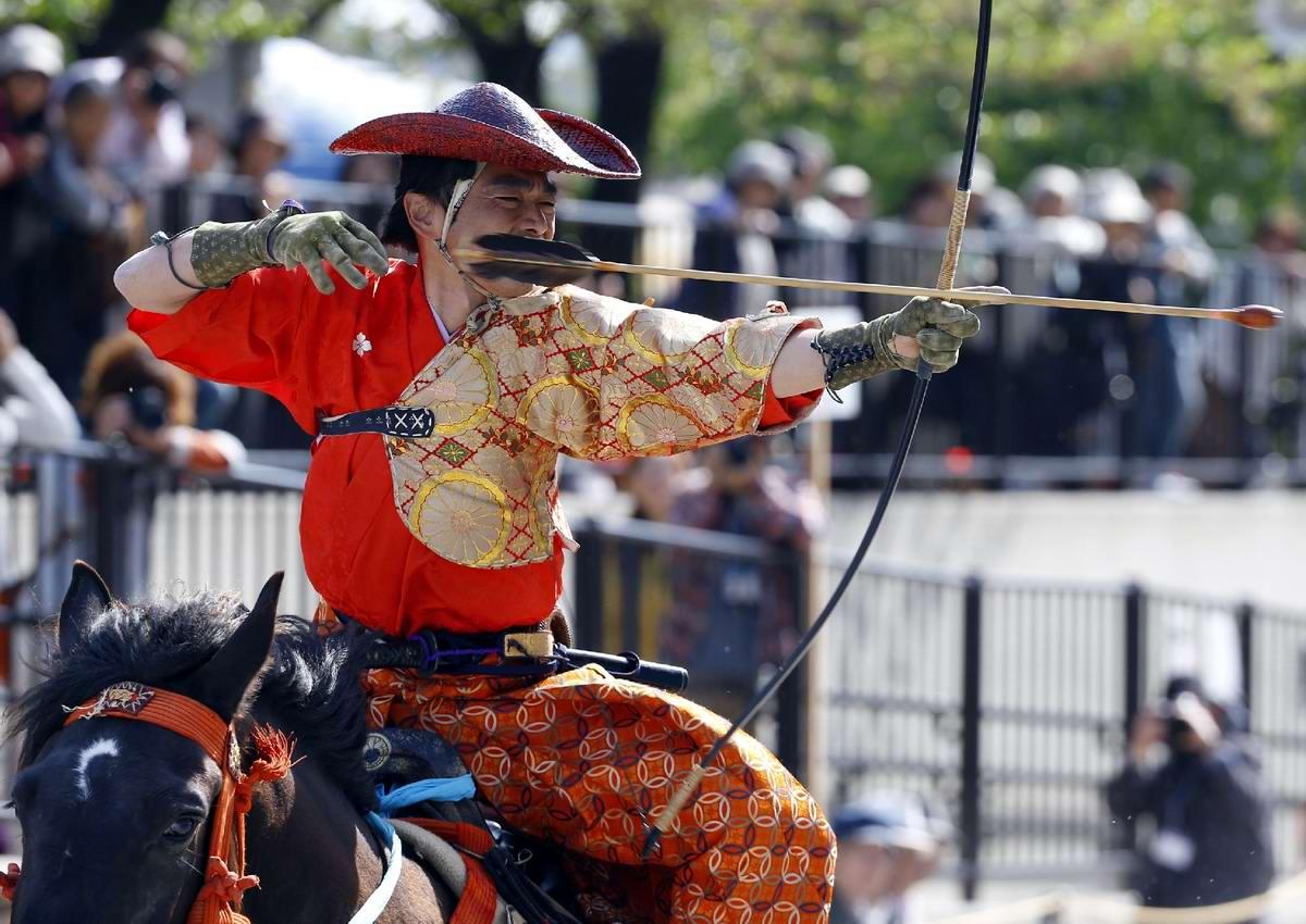 Стреляем из лука на полном скаку: Потомки японских самураев (8)