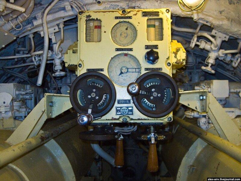 Подводная лодка С-189. Компьютер, помогающий навести торпеды на цель.