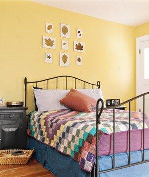 желто-бежевая спальня