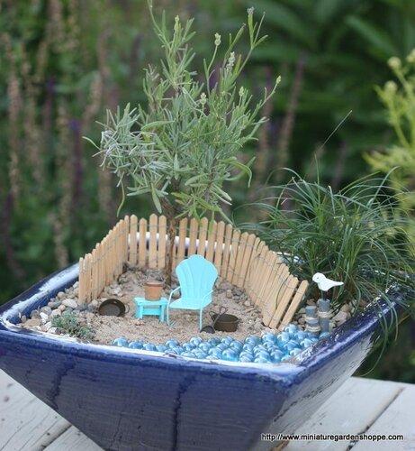 Сад в доме и во дворе миниатюрный сад