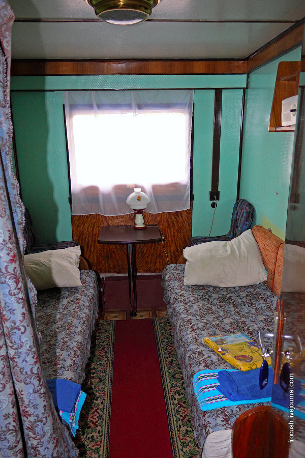 Двухместная одноярусная каюта №8 на средней палубе теплохода «В.М.Зайцев»