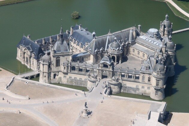 Замок Шантийи. Франция