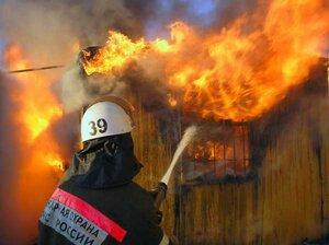 В Приморье при пожаре в частном доме погибла женщина