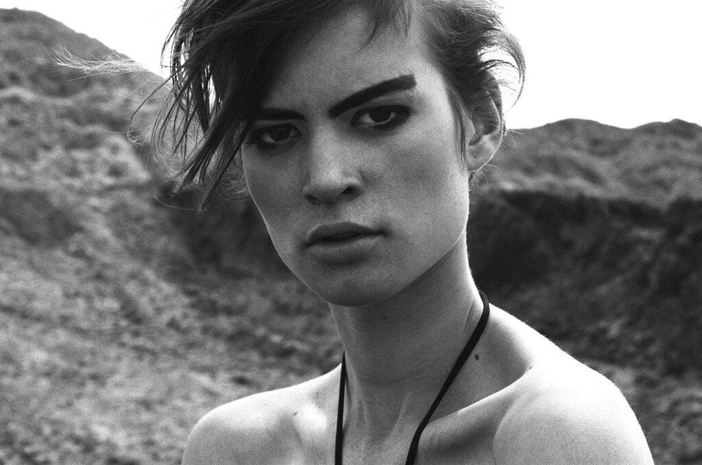 Model: Ela Kawka (Mango).Photography: Wojtek Rudzki