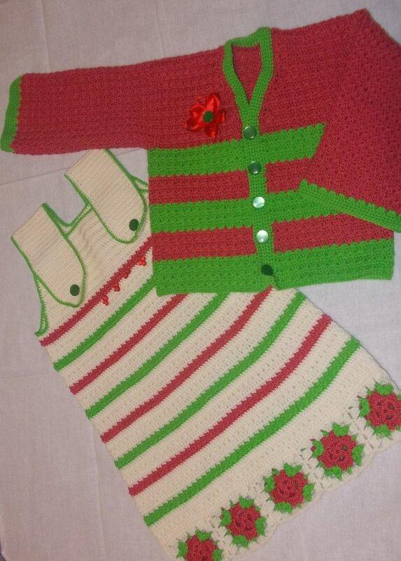 Kırmızı/yeşil/beyaz elbise ve hırkası