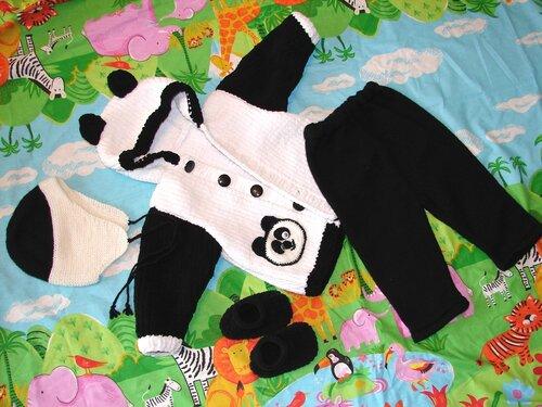 Siyah/Beyaz bebek hırkası, pantolonu, şapkası ve patiği