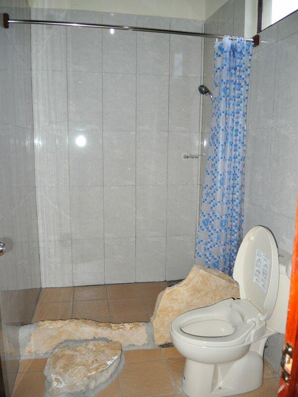 душ в гестхаусе на сулавеси