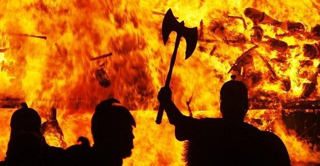 Шотландский огненный фестиваль Апхелио