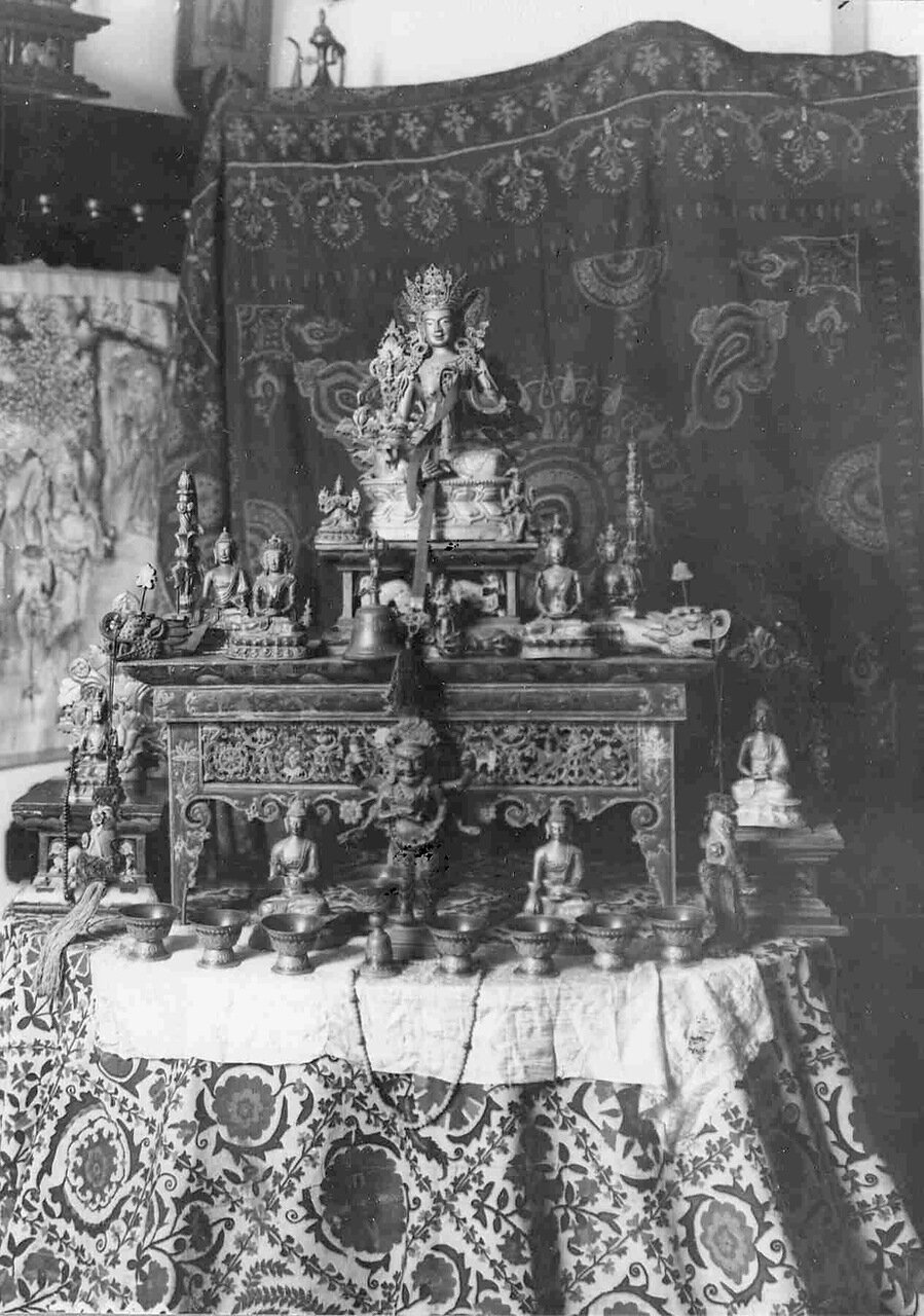 Коллекция индусских статуэток