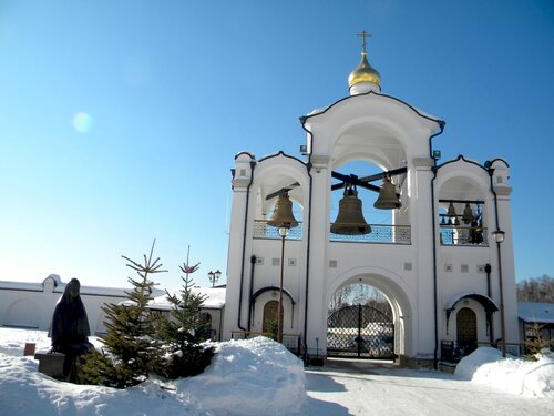 храм в д. Усово- колокольня*