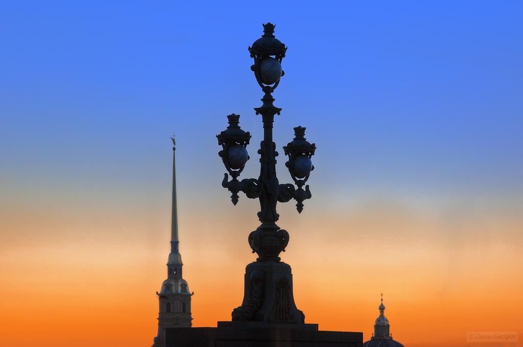 весна, Нева, закат, Петропавловская крепость, Петропавловский собор Троицкий мост, фонарь
