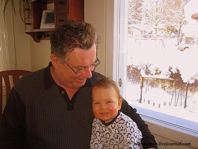 Сентиментальный дедушка с внуком финского разлива