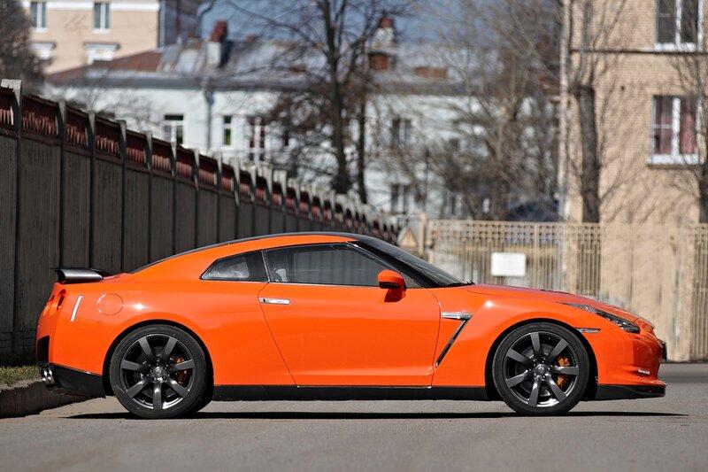 Nissan GT-R Orange Wild