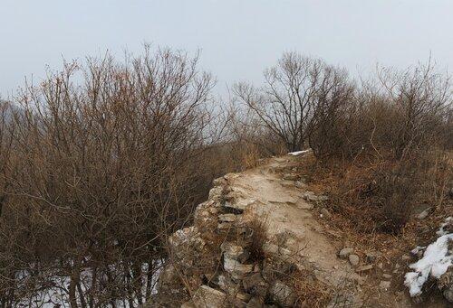 Не туристическая китайская стена Весьма символичная стена
