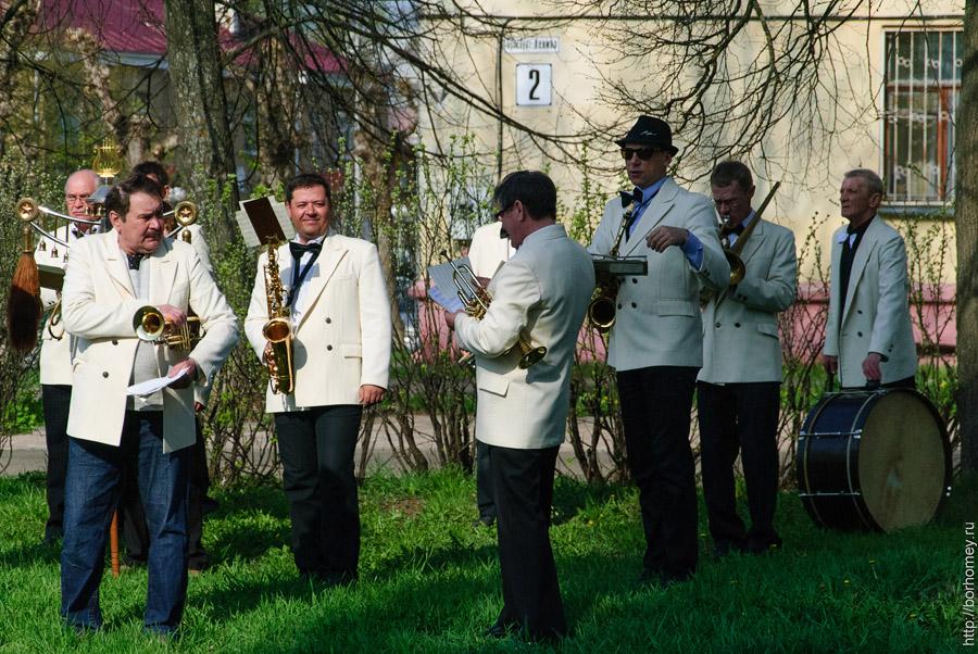 фотографии оркестра на улице