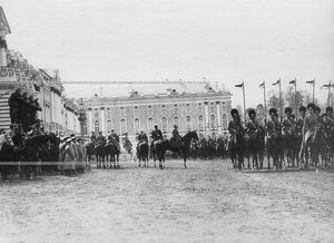 Смотр молодых солдат полка призыва 1912 года.
