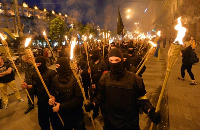 UKRAINE-RUSSIA-CRISIS-POLITICS-ULTRA-NATIONALISTS-FIGHTING