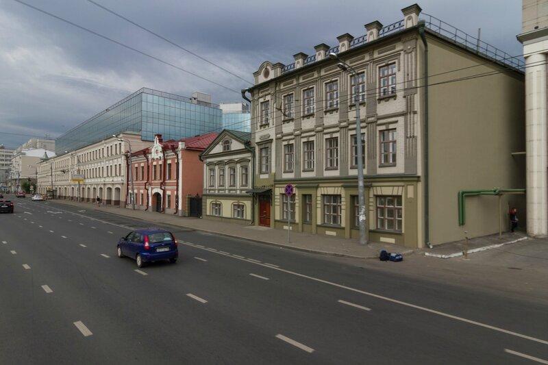 Жилые дома вдоль улицы Татарстан, Казань
