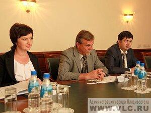 Дипломаты из США намерены активизировать торговые отношения своей страны с Владивостоком