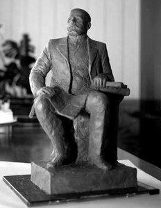 Скульптурный портрет Петра Столыпина