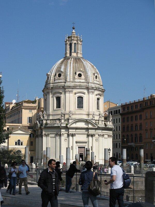 Рим. Церковь Святого имени Марии (Santissimo Nome di Maria al Foro Traiano )